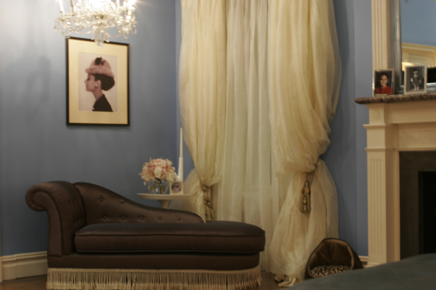 『ゴシップガール』ブレアの部屋、シルクオーガンジーのカーテン