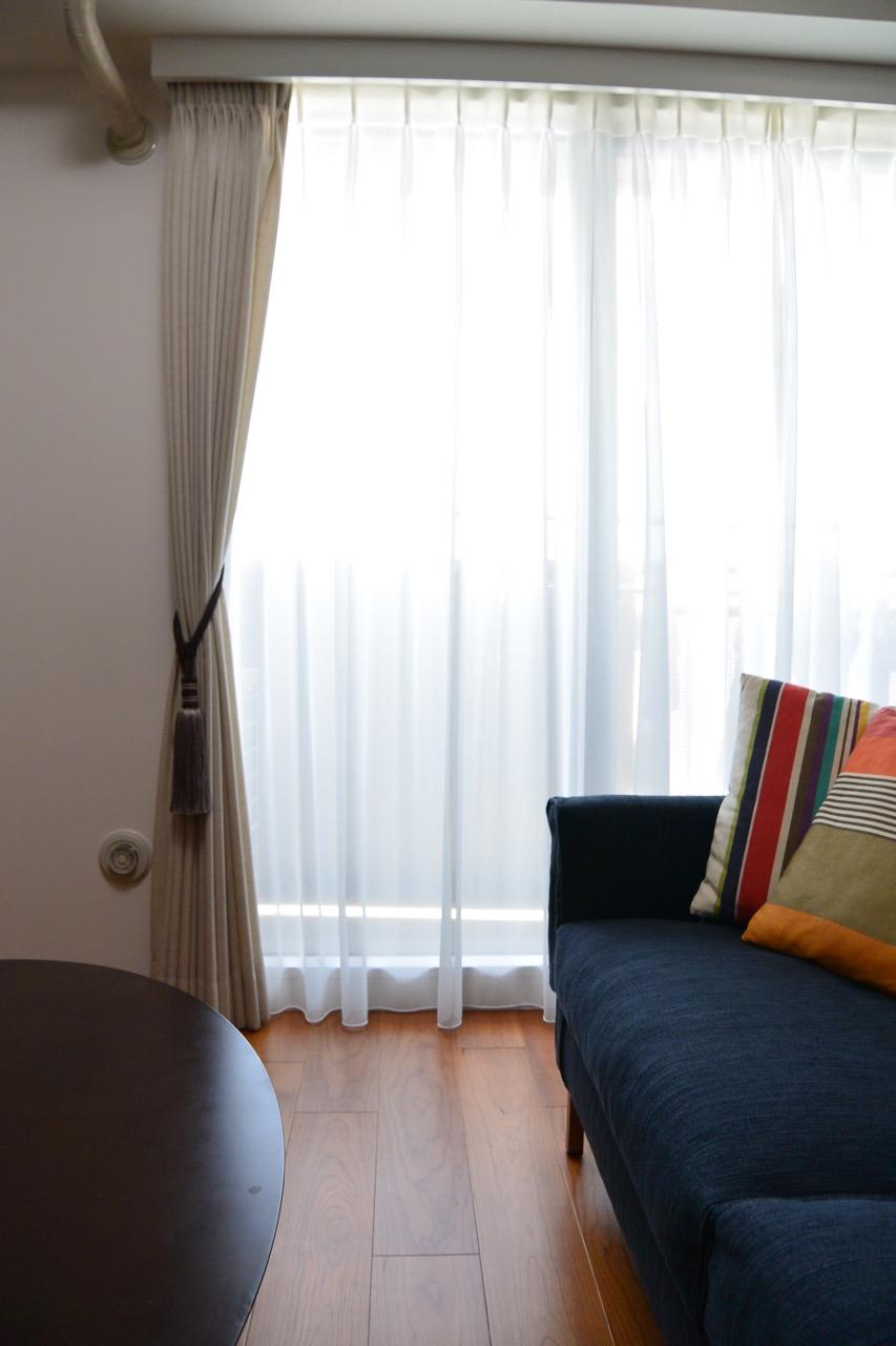 フジエテキスタイルのカーテン、タッセルにこだわりました