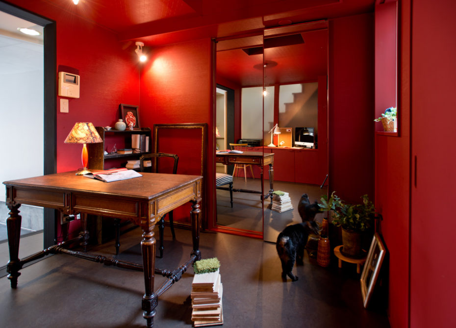 アメリの部屋をイメージした、DECO-TEのアトリエ